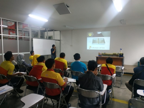 Training Produk Depo Bangunan East